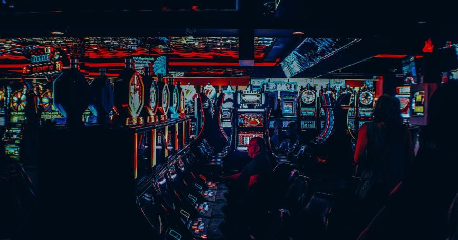 Voivatko online-kasinot potkaista pelaajan ulos?