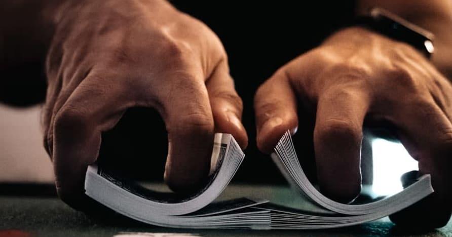 Säännelty tai sääntelemätön online-kasino uhkapelaaminen