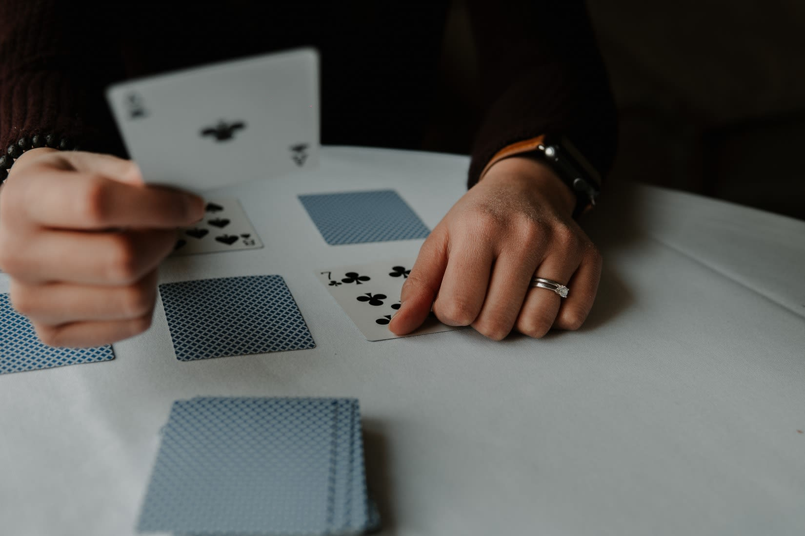RNG Blackjack vs. Live-jälleenmyyjä Blackjack